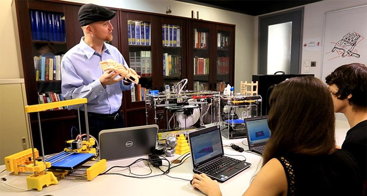 3d printing in the classrooms of schools